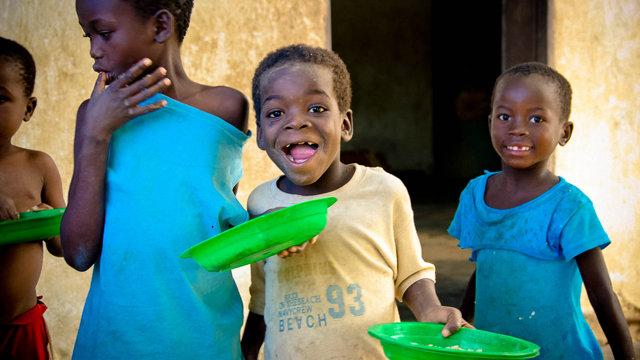 饮用水的标准_饥饿儿童援助会_环球公益_环球网