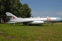 雅克-25