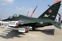 雅克-32