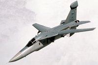 EF-111A渡鸦式电子战飞机