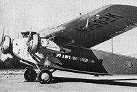 福克F-10
