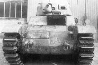 雷诺R40战车